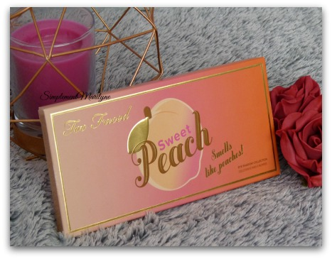 White peach, Luscious, Just Peachy, Bless Her Heart, Tempting et Charmed, I'm sure Nectar, Cobbler, Candied Peach, Bellini, Peach Pit et Delectable. Peaches'n Cream, Georgia, Caramelized, Puree, Summer Yum et Talk Derby To Me Too faced maquillage makeup palette eyeshadow yeux simplementmarilyne
