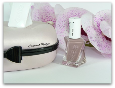gel coututre essie take me to thread nail lacquer vernis à ongles simplement marilyne