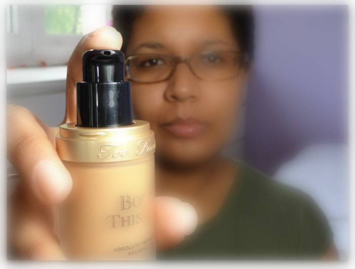 flacon pompe born this way too faced teinte caramel fond de teint foundation simplement marilyne