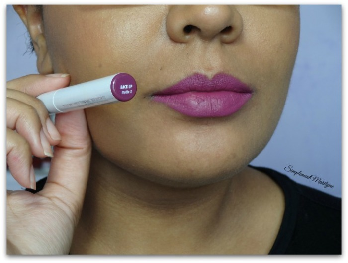 Swatch Colourpop Back Up lippie stix rouge à lèvres crémeux simplement marilyne