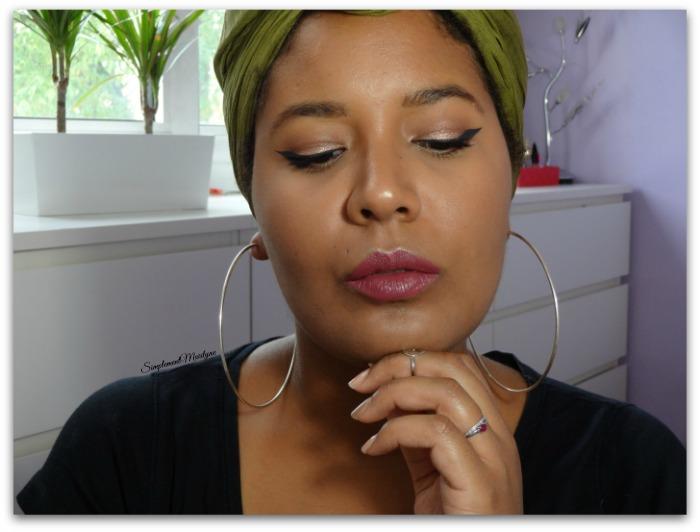 Maquillage Mu Makeup Grandstand Makeup Geek MUG Stingraye ColourPop opal becca fingertip sephora black simplement marilyne