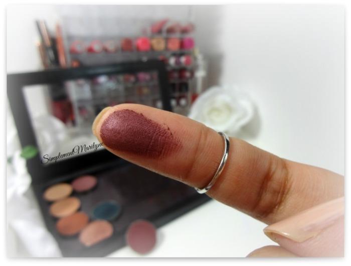 swatch burlesque makeup geek eyeshadow pan z palette fard à paupière mug simplement marilyne
