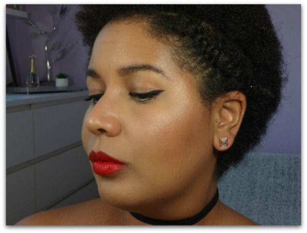 maquillage red lips lèvres rouge liner cat eyes galmour glam afro cheveux crépus riri woo mac simplement marilyne