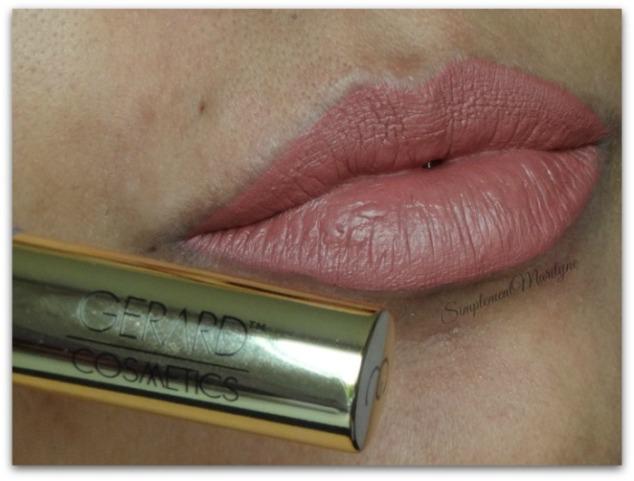 gerard-cosmetics-1995-peau-metisse-hydra-matte-liquid-lipstick-rouge-à-lèvres-revue-swatch-simplement-marilyne
