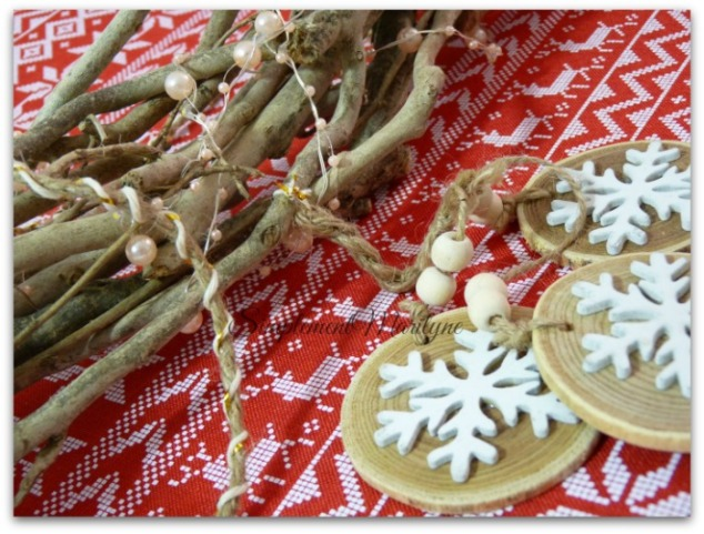 attache-decorations-diy-bois-guirlande-lumineuse-flocon-de-neige-noel-simplement-marilyne