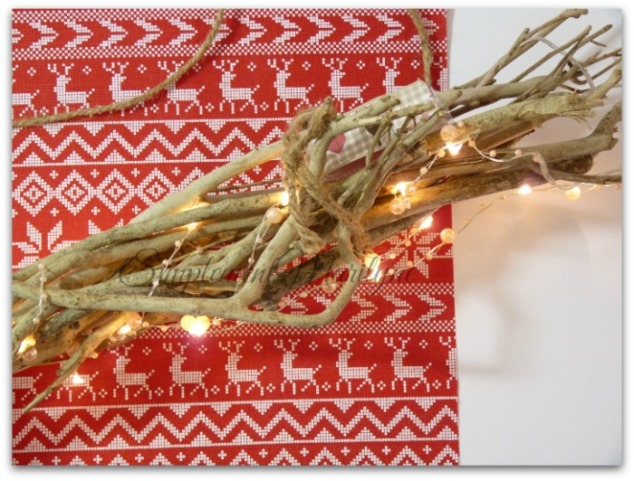 DIY-noel-suspension-bois-guirlande-lumineuse-diy-creation-simplement-marilyne