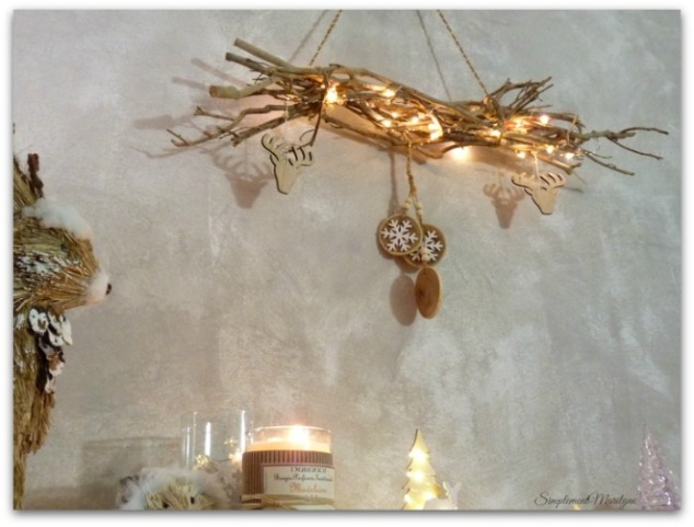 DIY-noel-suspension-bois-guirlande-lumineuse-creation-simplement-marilyne