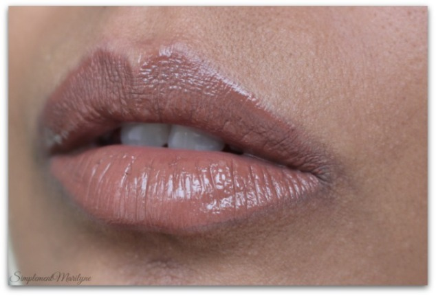 flirthuda-beauty-liquid-matte-brown-edition-Simplement-Marilyne-swatch