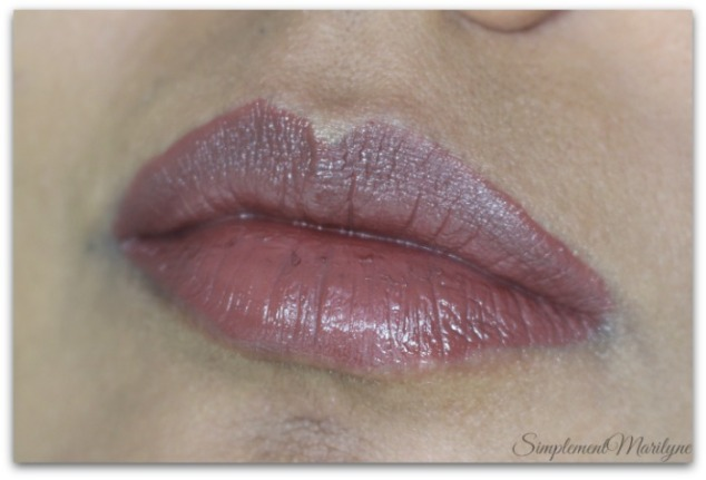 spice-girl-huda-beauty-liquid-matte-brown-edition-Simplement-Marilyne-swatch
