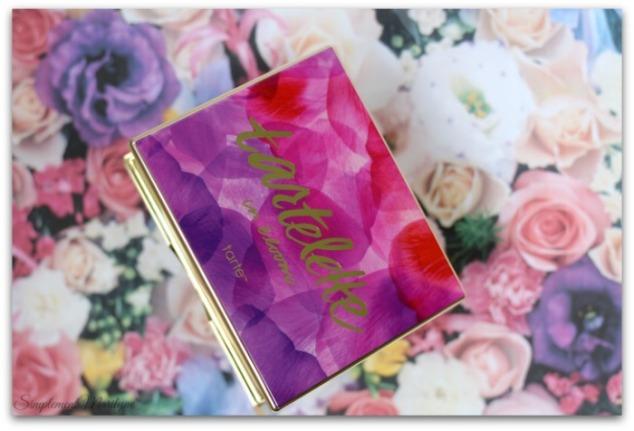 Tartelette-in-bloom-clay-2-tarte-cosmetics-maquillage-palette-yeux-neutre-tons-chauds-simplement-marilyne