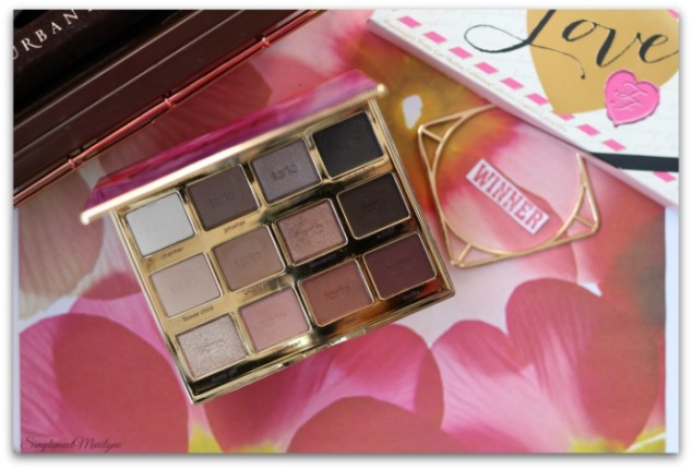 tartelette-in-bloom-tarte-eyeshadow-palette-maquillage-yeux-neutres-tons-perfect-simplement-marilyne