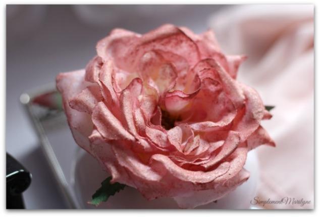 DIY-rose-highlighter-personnalisable-elf-blush-guerlain-la-petite-robe-noire-maison-du-monde-amazon-simplement-marilyne