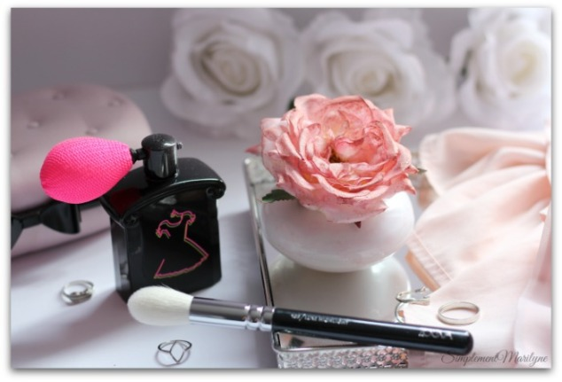 DIY-rose-highlighter-personnalisable-elf-blush-guerlain-la-petite-robe-noire-maison-du-monde-amazon-zoeva-simplement-marilyne