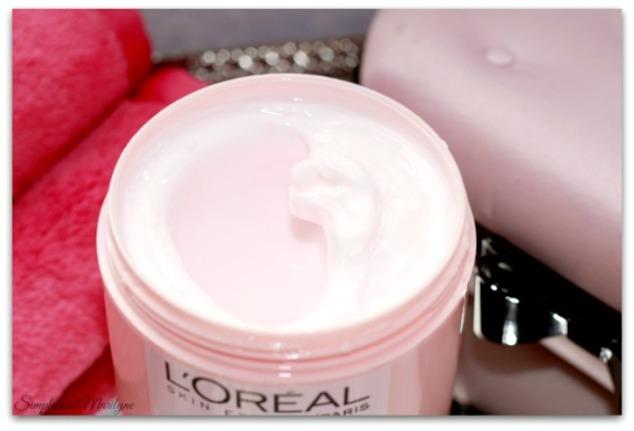texture-L'Oreal-Paris-creme-demaquillante-fleurs-rares-nouveau-geste-jasmin-rose-demaquillant--nourrisant-reconfrantant-simplement-marilyne