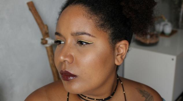 maquillage peau foncée double liner jaune