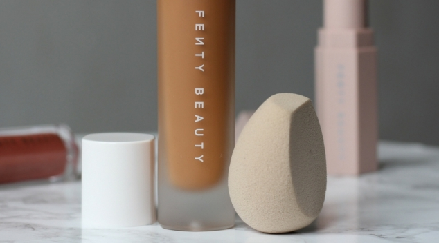 sponge-eponge-maquillage-beauty-blender-fenty-beauty-by-rihanna