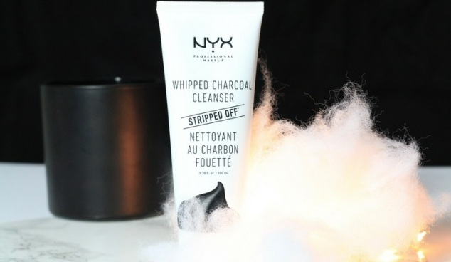 Nyx nettoyant au charbon fouetté gamme Stripped Off